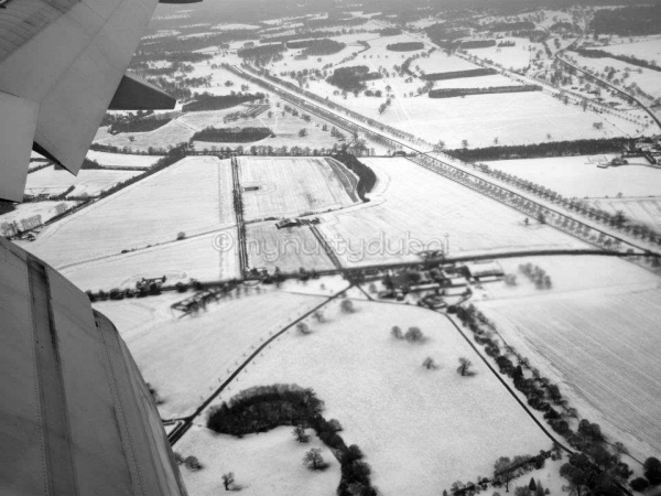 Coming in to land in London - snow everywhere!