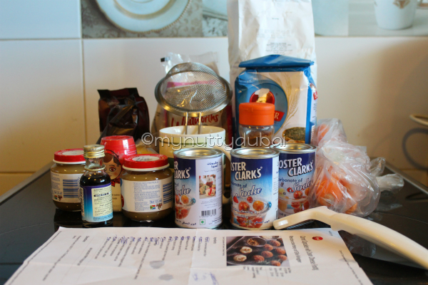 The ingredients - with THREE tins of baking soda :)
