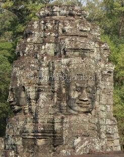 4-headed statue